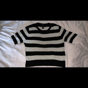 Mid sleeve striped forever 21 shirt size: Large